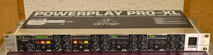 Behringer Powerplay ProXL caly
