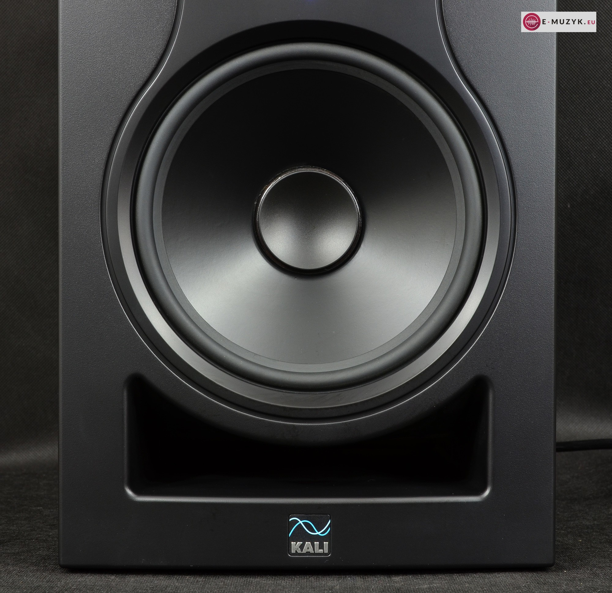 KALI Audio IN 8 LF bass reflex